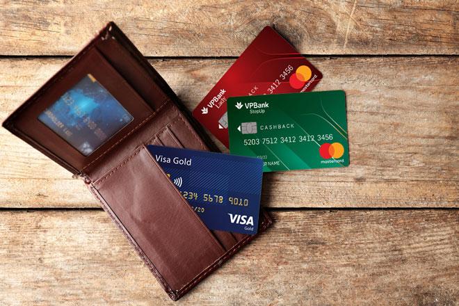 cấu tạo thẻ mastercard khác gì với thẻ visa